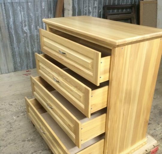 Заказать мебель из дерева в Москве